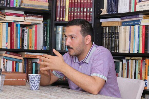 Mehmet Kökrek ile Türk Mezar Taşı Kültürü